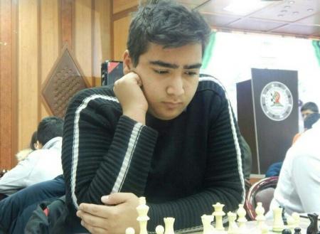 محمد ایزدی بازیکن شطرنج ملارد قهرمان شطرنج سریع زیر 18 سال کشور شدند